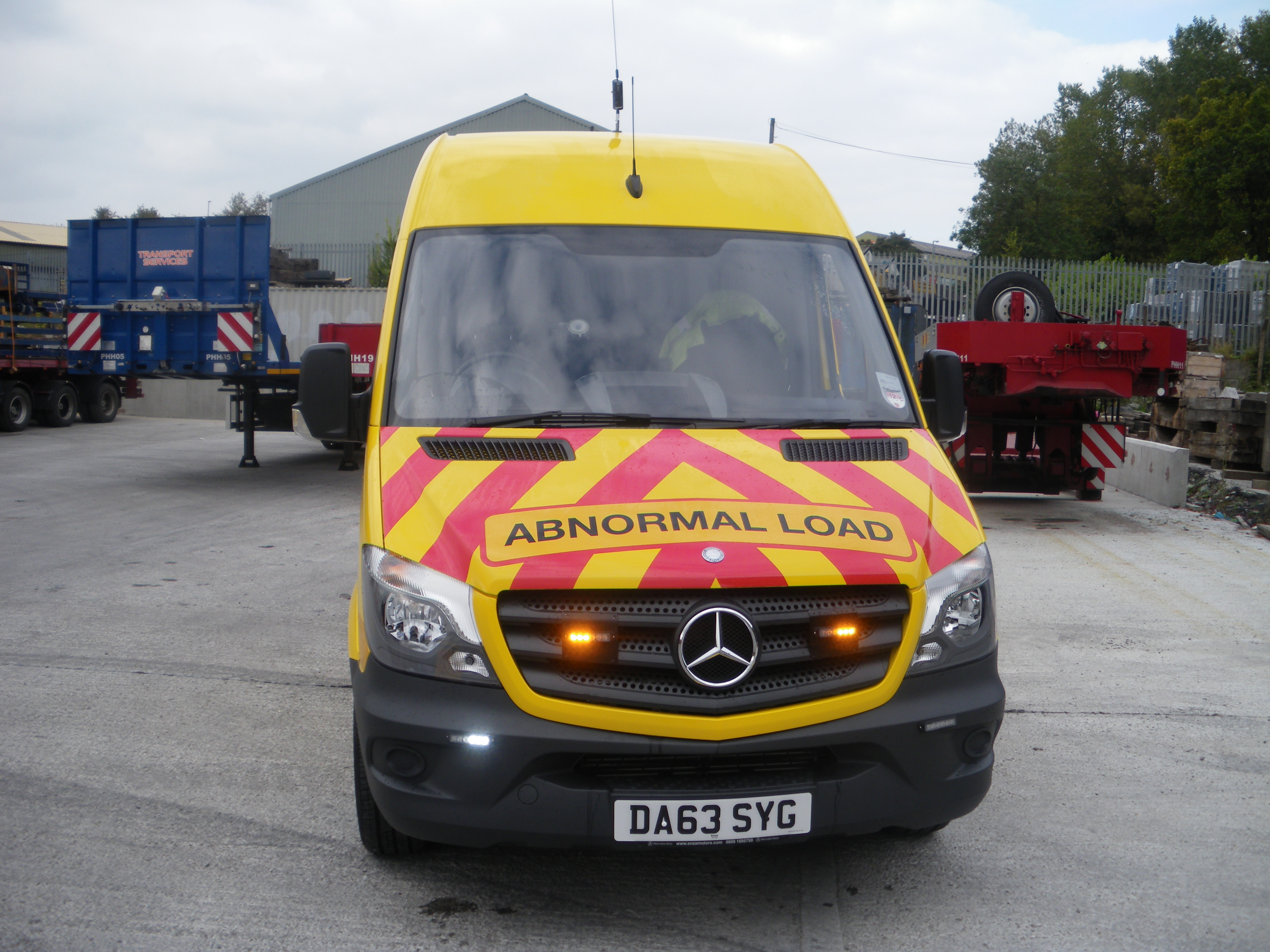 Escort Vehicles for Abnormal Loads - Potteries Heavy Haulage